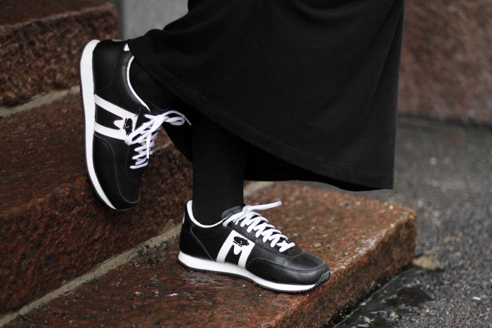 110214 sneakers
