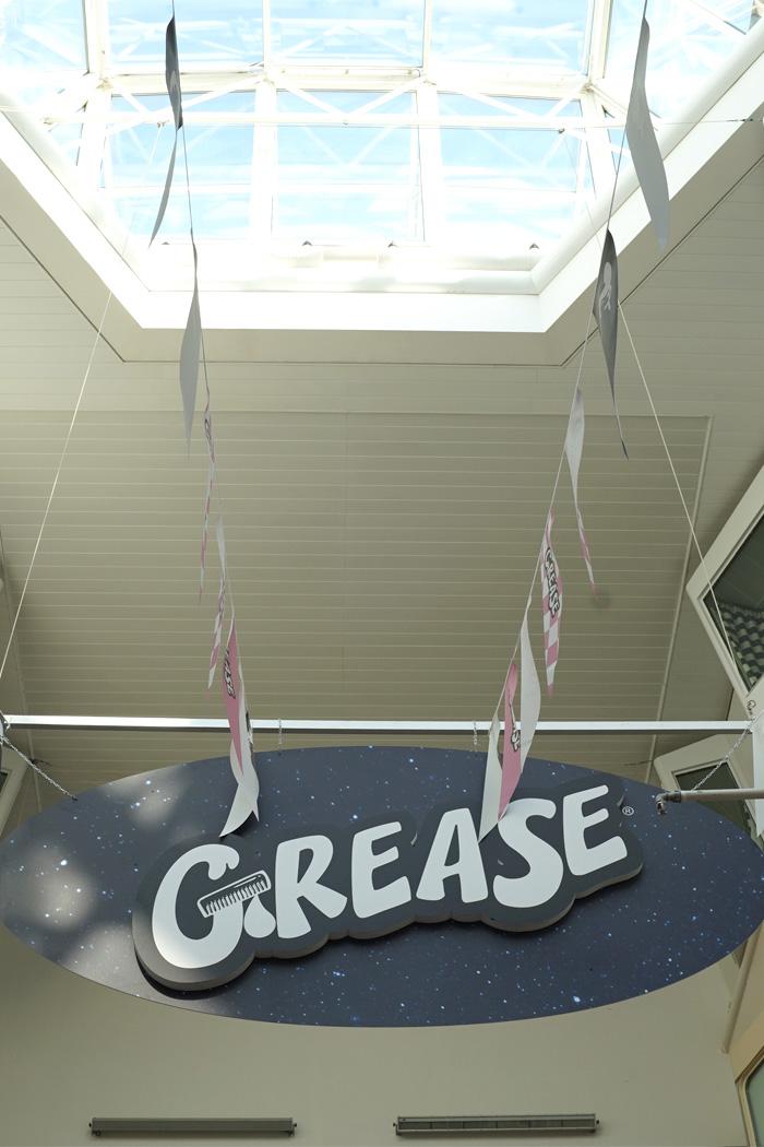 grease_promenade2